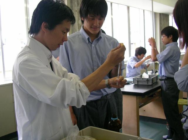 【公開授業】抽出実験とモデルづくりによるDNAの性質と構造の理解