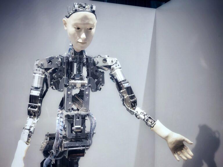 【科学コミュニケータートーク開催】これって、生命なの?  3F常設展示「メディアラボ」入門